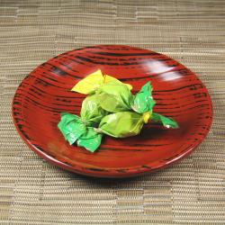 ソフトタイプ昆布あめに 大和高原産の緑茶で作ったジャムが入った大和茶昆布あめ[イメージ]
